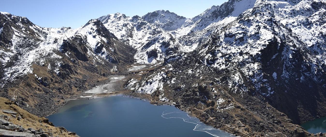gosainkunda-Lake-langtang-trekking