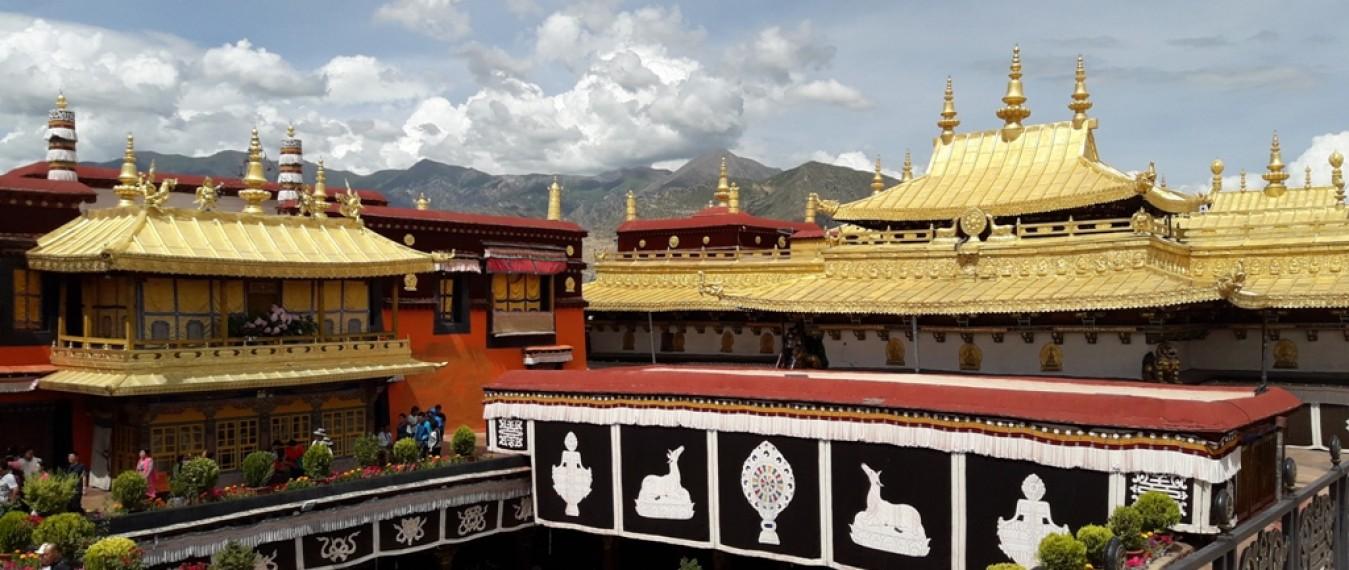 tibet-tour-5-days-jokhang-temple