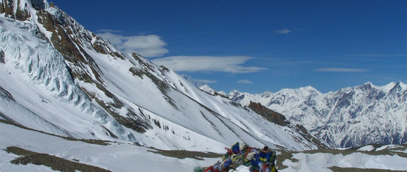 Difference between Annapurna Circuit and Annapurna Base Camp