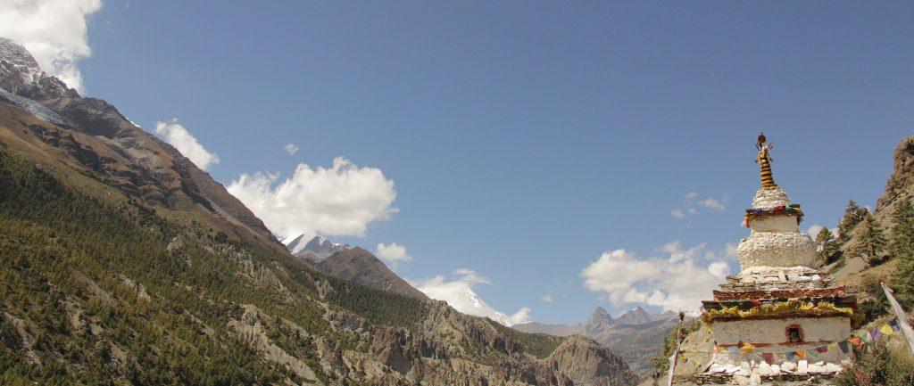 Annapurna-Circuit-Trek-chorten