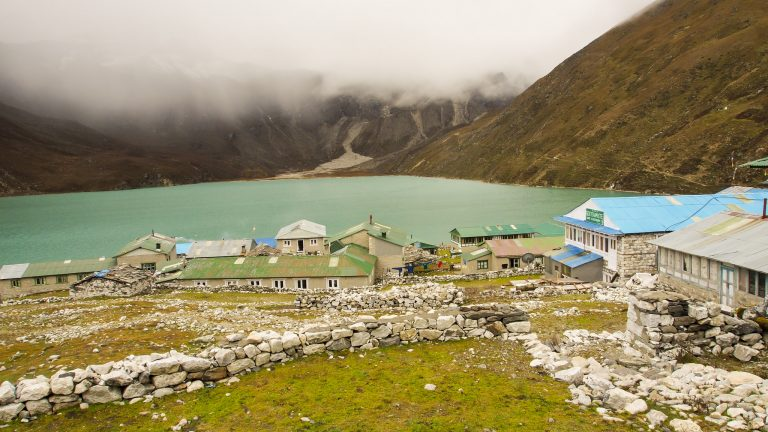 gokyo-lake-in everest