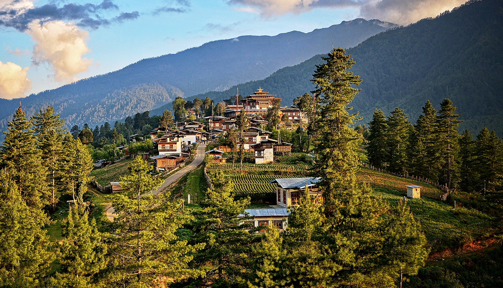 bhutan-tour-7-days-gangtey