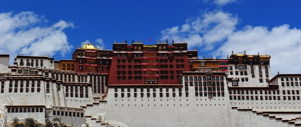 everest-base-camp-tour-drive-potala-palace