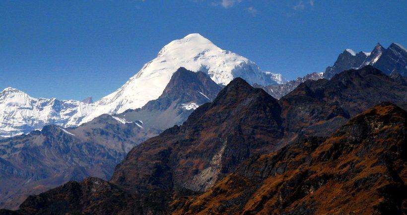 mount-Jomolhari-bhutan