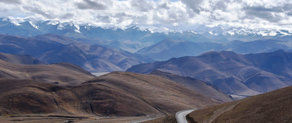 everest-base-camp-tour-drive-road