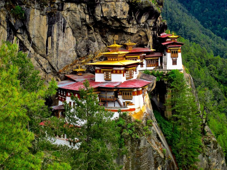 bhutan-travel-3-days-tiger-nest-monastery