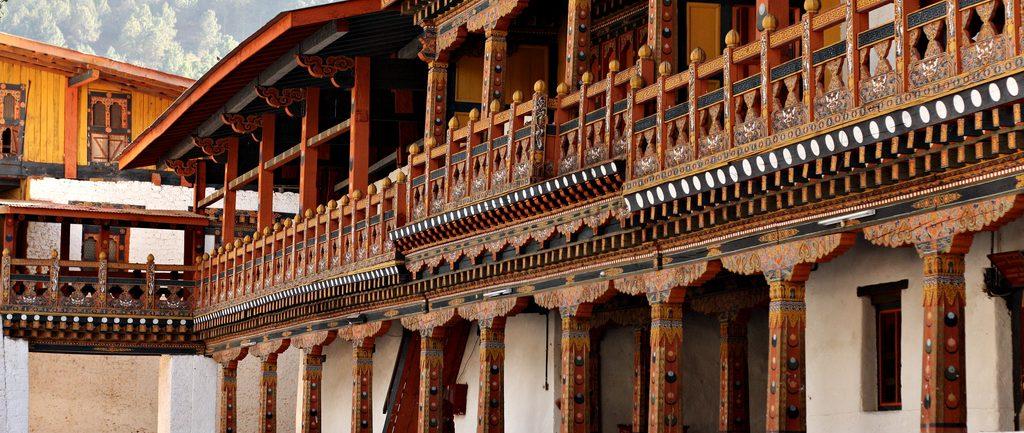 courtyard-of-Punakha-Dzong