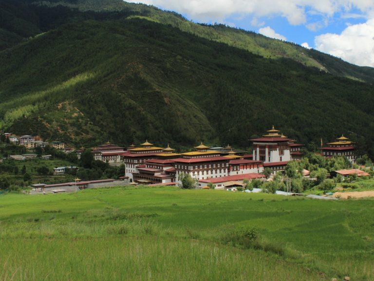 Bhutan-travel-4-days-Tashichho-Dzong