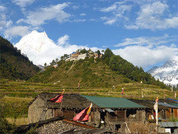Manaslu Tea House Trek